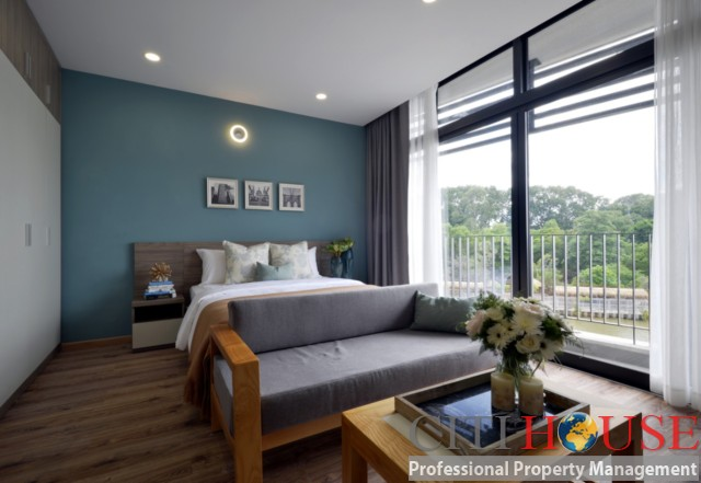Premium serviced apartment for rent in City Center District 01