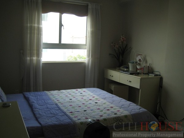 Apartment for rent in Orient Tower, 2 beds, high floor, $550