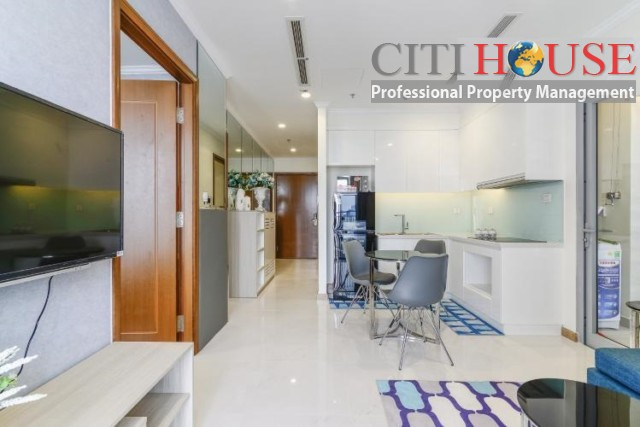 Two bedrooms apartment for rent in Landmark 3 Tower in Vinhomes Central Park