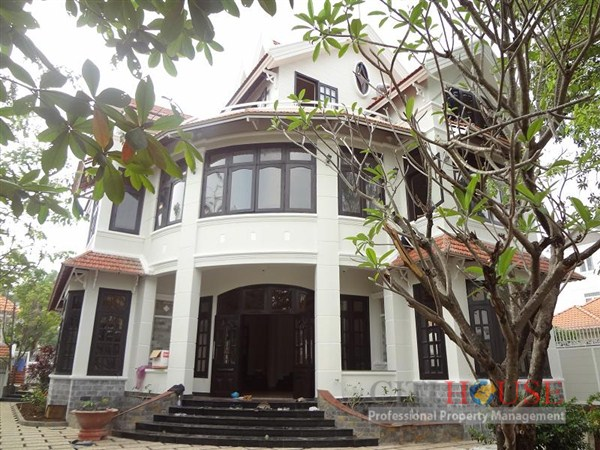 Villa for rent in Thao Dien, District 2, 400sqm, swimming pool