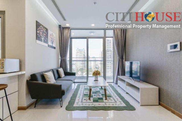 Simple and modern styles two bedroom apartment for rent at Park 7 Tower in Vinhomes Central Park