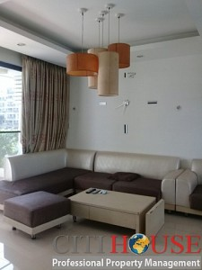 Lovely three bedrooms apartment for rent in Garden Plaza