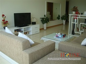 Saigon Pearl apartment for rent, city view, 26th floor Sapphire, $1650