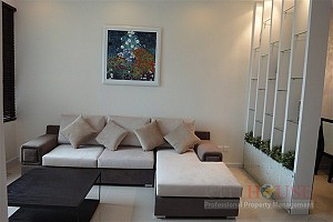 SamLand for rent in Binh Thanh District, Nice furnishings, 88 sqm, $1000