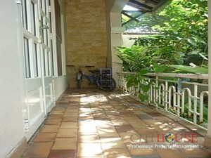 Villa for rent in District 2 on Nguyen Van Huong street, Thao Dien, 500 sqm, $1500